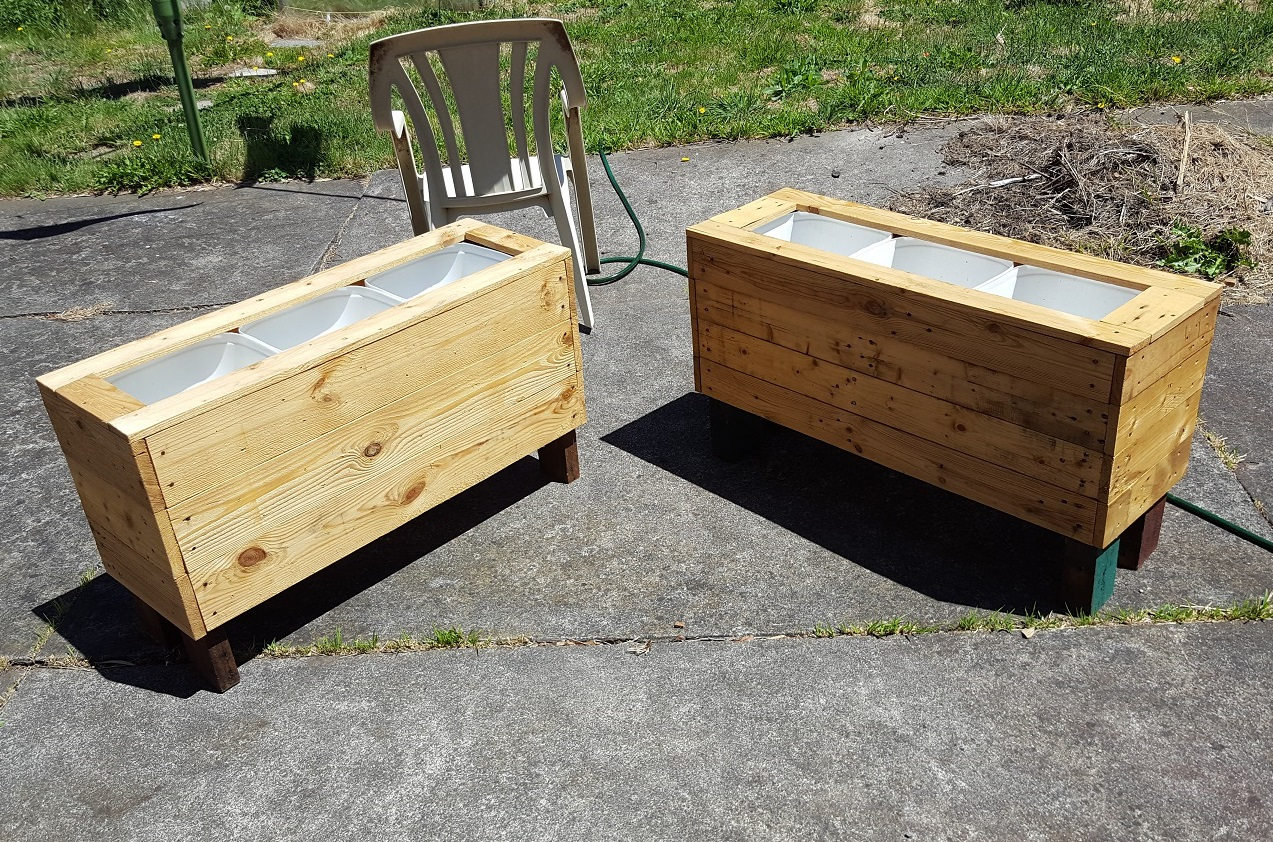 6 Diy Planter Box Using Recycled Jugs And A Pallet