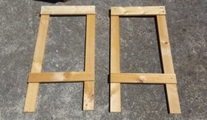 Lay out your frame pieces as shown. Put ONE screw into each join, get it square (Click here for squaring tips) then once it is square put a second screw into each join.